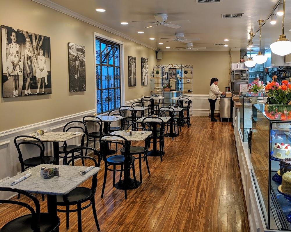 Jeannine's Restaurant & Bakery