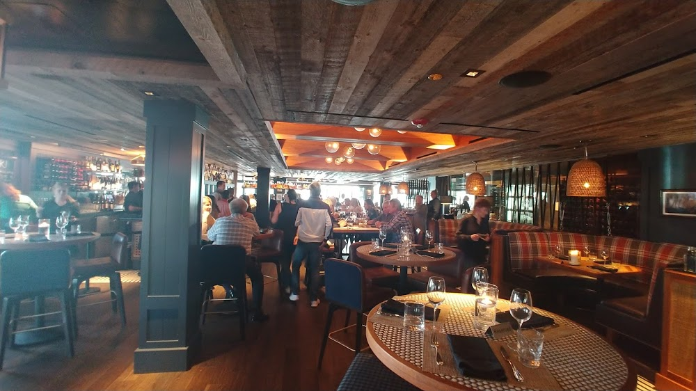 Louie's by the Bay – Pasta & Carne