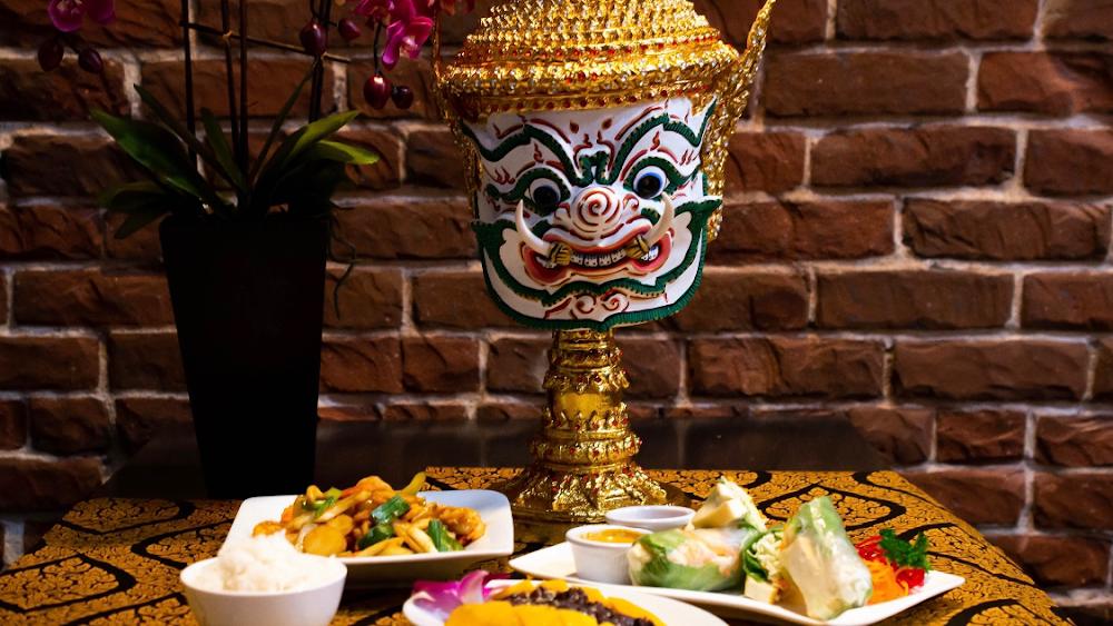 Zabb and Vegetarian Thai